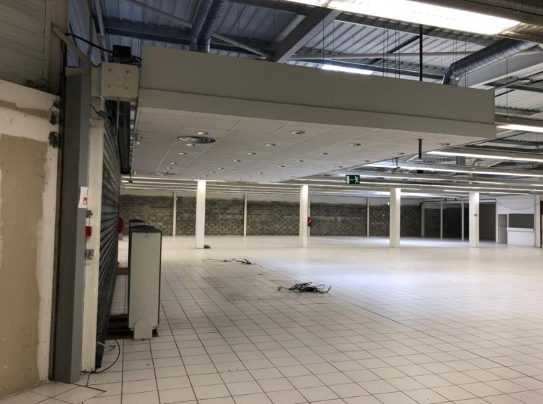 Local commercial à louer à Teste-de-Buch - 1 110 m²